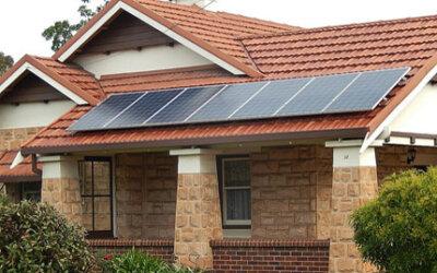 Entenda os benefícios e como funciona uma miniusina solar residencial
